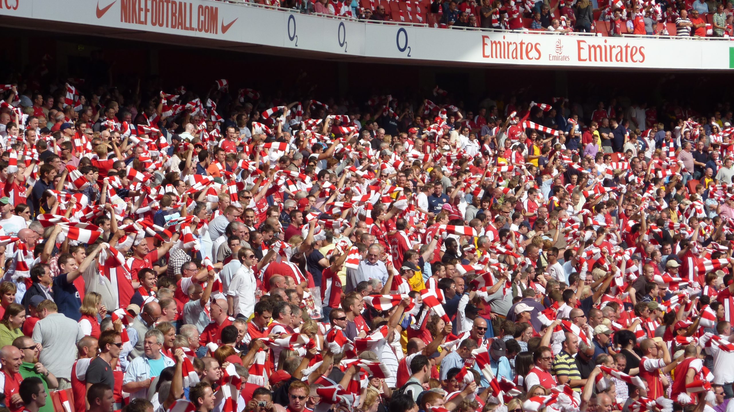 arsena supporters, gooners in the stadium